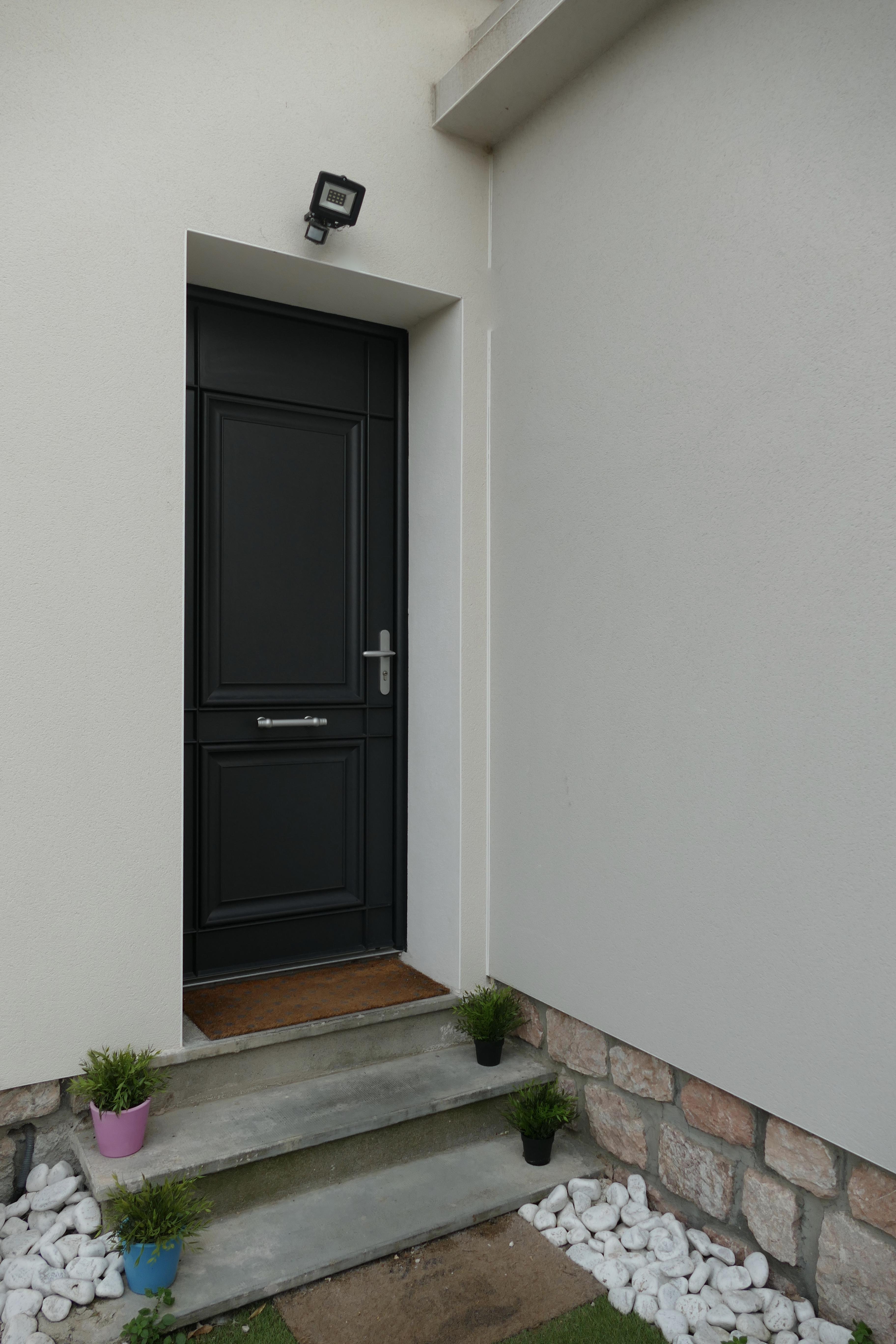 quelle style de porte d 39 entr e choisir pamela gallart. Black Bedroom Furniture Sets. Home Design Ideas